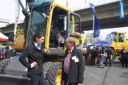 USETEC 2011 06 construction excavators 065 640x426 e1327055276355 USETEC 2012: World trade fair for used technology hits the nail on the head