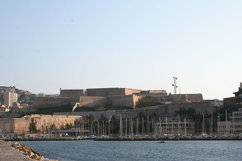 800px-Marseille_Fort_saint_nicolas
