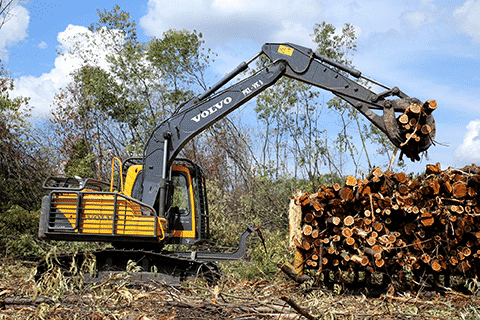 volvo construction machinery Logging on at the equator