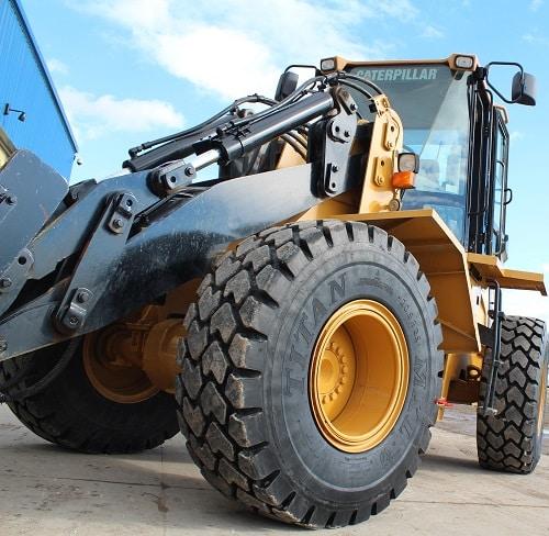 Titan_Construction_Tyre
