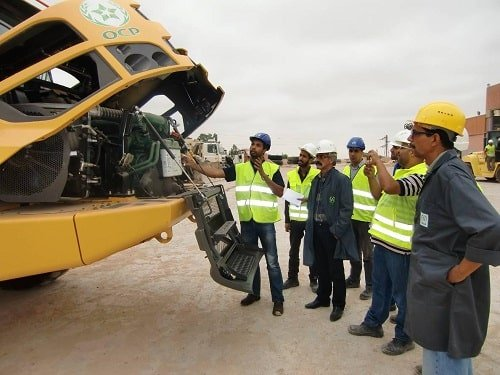 Detailed instructions are given to operators and technicians, trained to ensure the safety and uptime of operations.