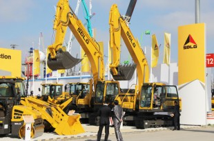 SDLG displaying full product line-up at its stand FS 1105/7 at bauma 2016.