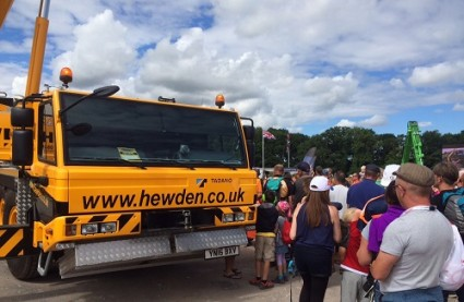 Hewden crane gets ready for Selfie at CarFest North